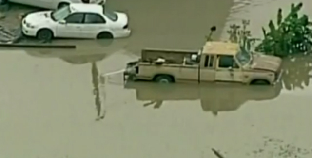 flood-vehicles-texas-2013
