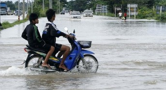 Floods Get Closer to Bangkok