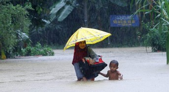 500 Evacuated After Floods in Kulim, Malaysia