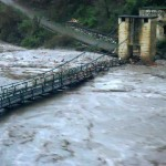 mandakini-river-damaging-the-bridge-over-it-in-kedarnath-valley