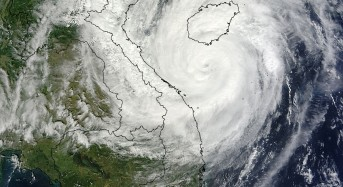 Haiyan Hits Vietnam and China