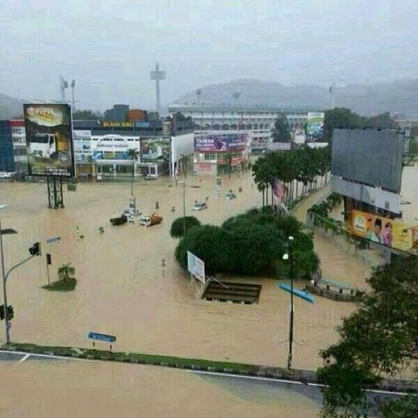 Kuantan Floods. Ohoto: twitter.com/AlexandreTheGre