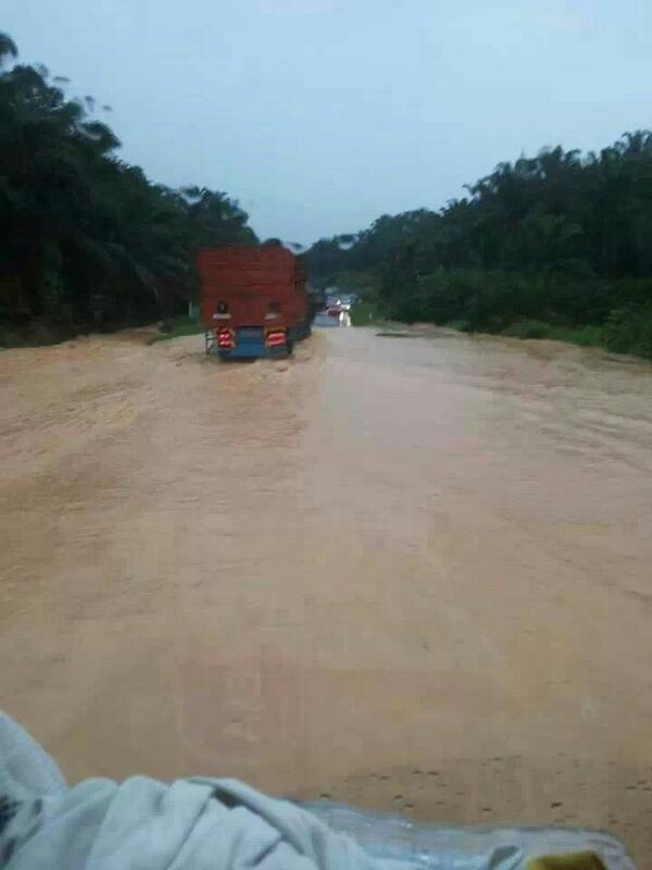 Mersing Floods. Photo: twitter.com/mohdkhatim