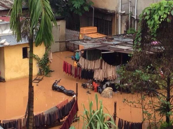 Floods in Guwahati, Aassam Photo: SarafPayal @ twiitter.com
