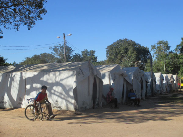 Tents in camps for families displaced by Beni floods. Photo: Mariel Cabero Ugalde