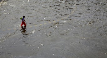 Floods Remain in 5 Provinces in Thailand