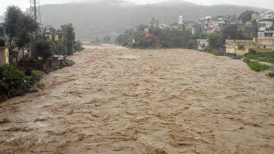 flood in kashmir 2014 essay