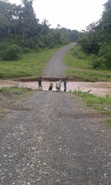 Damaged roads after floods in Fiji, December 2014. Photo: Government of Fiji