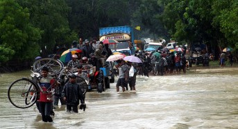 Sri Lanka Floods Recede but Thousands Remain in Relief Camps