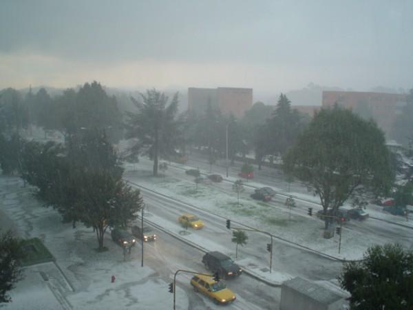 Bogotá hailstorm in 2006. Photo: Ju98 5