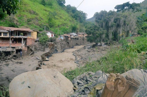 Colombia floods salgar death toll rises above 60 - Salgar arenys 600 ...