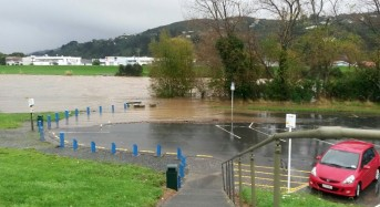 128 mm of rain in 24 Hours – Floods in Wellington New Zealand Leave 1 Man Dead