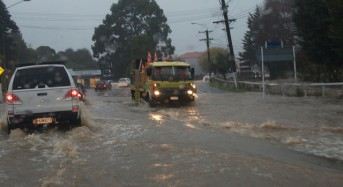 New Zealand North Island – 100s Evacuated as Wanganui Sees Worst Ever Floods