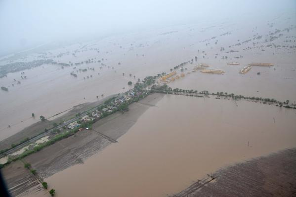Floods in Gujarat, June 2015. Photo courtesy of the Indian Ministry of Defence / Indian Air force