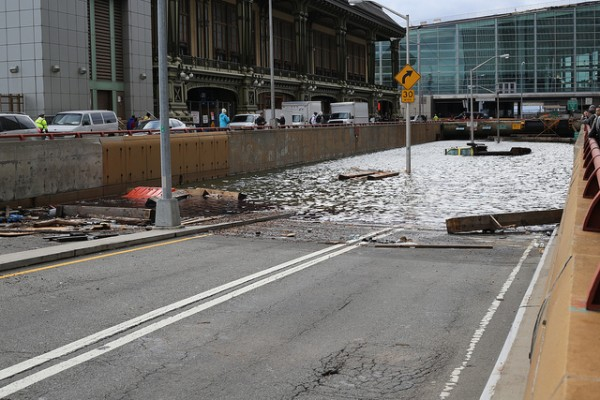 Floods after Storm Sandy. Battery Park, Manhattan. Photo: Timothy Krause, under Creative Commons https://creativecommons.org/licenses/by/2.0/