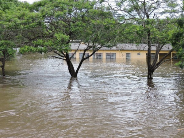 Floods in Quaraí and Uruguaiana municipalities in the Brazilian state of Rio Grande do Sul, December 2015.Photo: Defesa Civil de Uruguaiana 25/12/2015