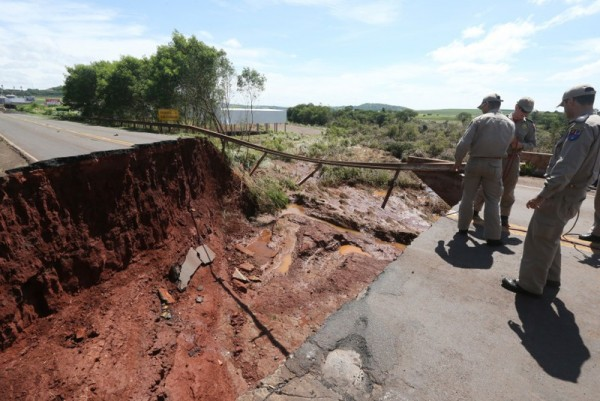 Flood damage in Parana state, Brazil. Photo: Orlando Kissner/ANPr