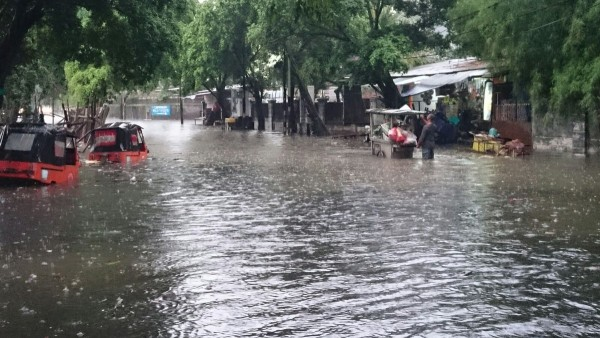 Flooding in the streets of Jakarta, 26 February 2016. Photo: BPBD