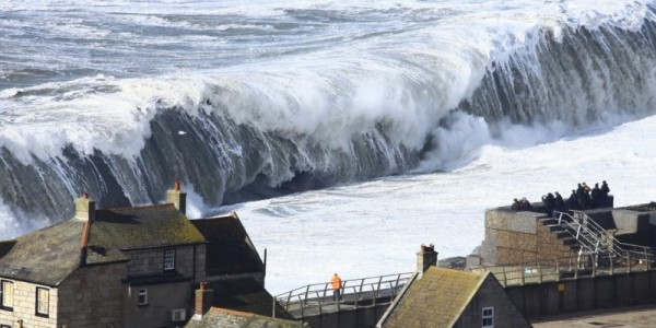 Massive waves smash onto Chesil Beach in Dorset, UK, during winter storms in February 2014. Image: Richard Broome/Plymouth University