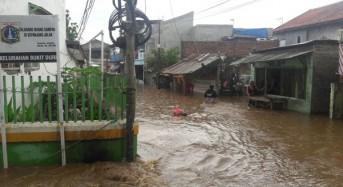Indonesia – Floods and Landslides Leave 2 Dead, 1 Missing, Hundreds Evacuated