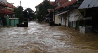 Indonesia – Floods Leave 1 Dead in Jakarta, 35,000 Affected in Sampang, East Java
