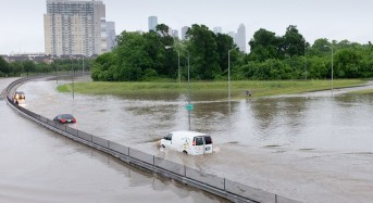 USA – Flash Floods Prompt Dozens of Flood Rescues in Houston