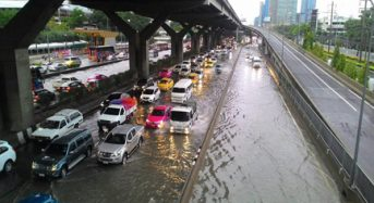 Thailand – Bangkok Streets Flooded After 200mm of Rain