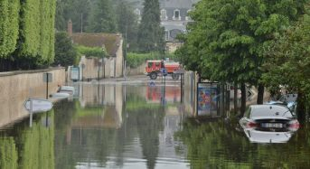 France – Thousands Evacuated After River Levels Hit 100 Year High
