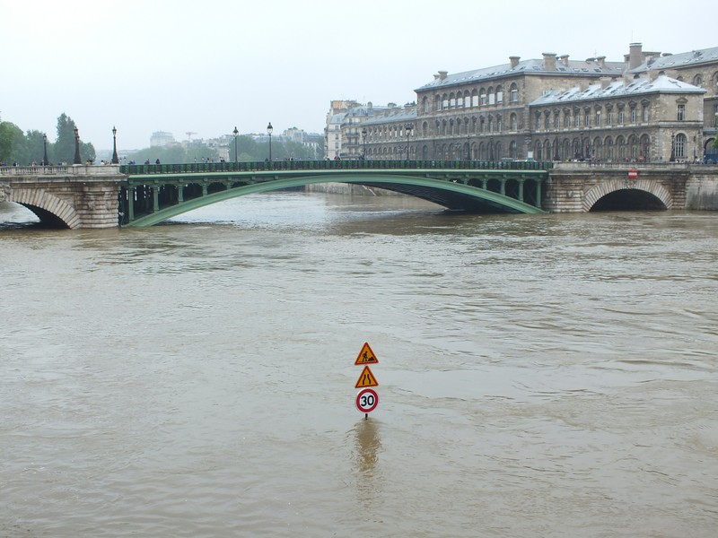 seine river flooding