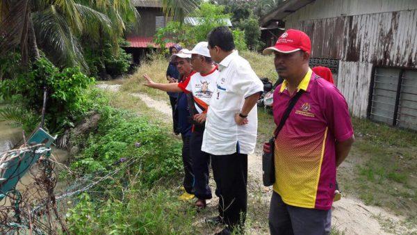 Balik Pulau MP Datuk Seri Dr Hilmi Yahaya visited the affected areas. Photo: Office of Seri Dr Hilmi Yahaya