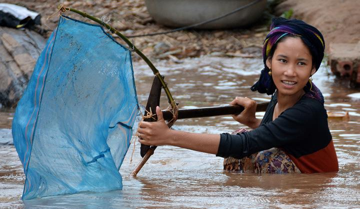 Fishing in the Mekong river. Credit:  University of