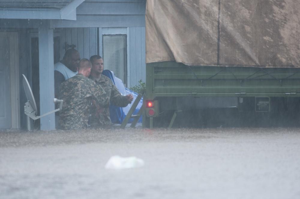 USA – Severe Flooding in North Carolina Breaks 14 Peak Flow