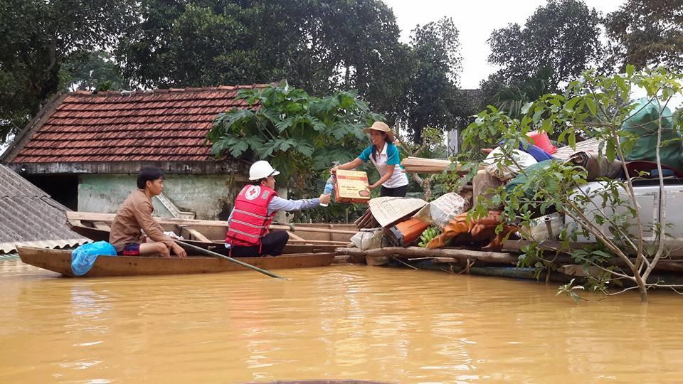 Floods in Vietnam, October 2016. Photo: Vietnam Red Cross Society