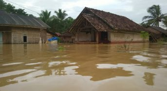 Indonesia – Floods and Landslides Leave 12 Dead, Thousands Affected