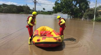 Australia – Death Toll Rises From Debbie Floods,  Rockhampton on Alert