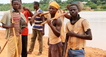 Niger – Armed With Smartphones and Boots, Youths Map Flood Risks