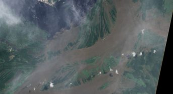 362146ebfcf  Catastrophic  Floods Rising on Amazon River