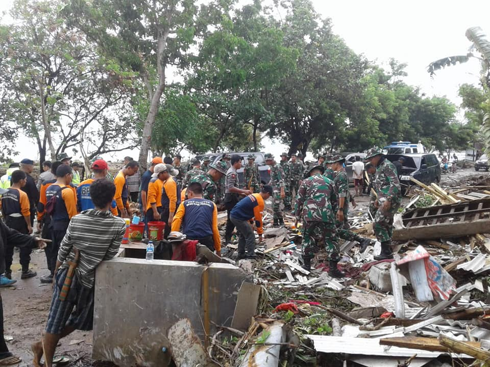 Indonesia – Hundreds Dead After Sunda Strait Tsunami – FloodList