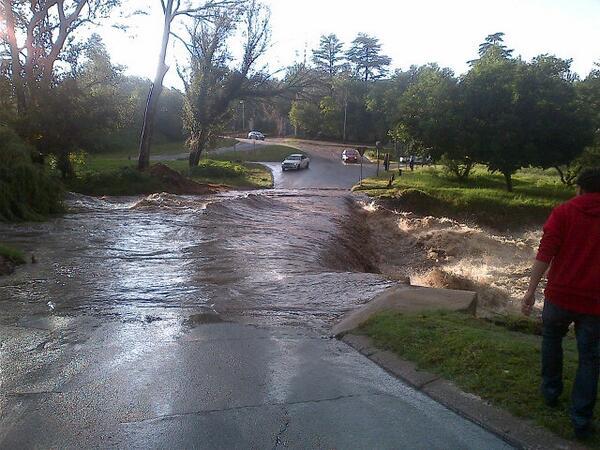 Floods Johanessburg Photo: twitter.com/Itani_1