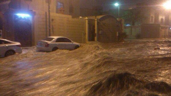 Flood water races along a Riyadh Street. Photo: twitter.com/arsalan_ali9
