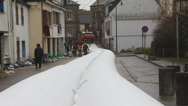 inflatable dam brittany france