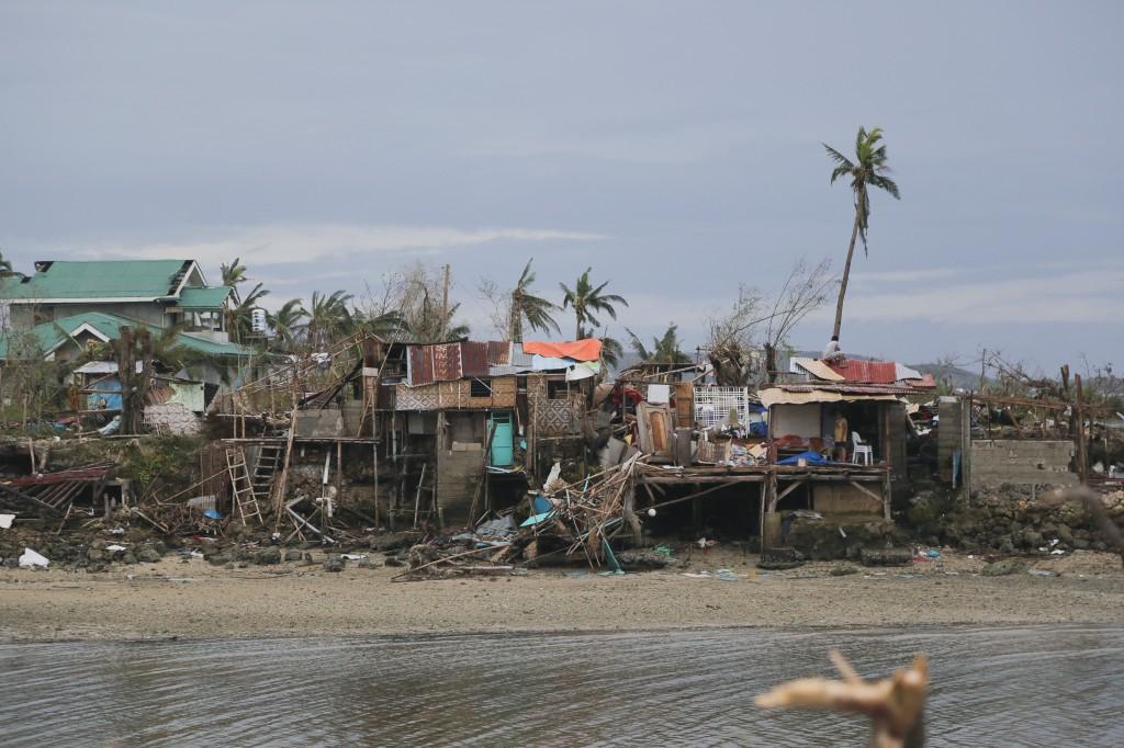 Philippines. Daang Bantayan, 2013. Typhoon Haiyan struck Philippines 8th November, 2013. Destroyed houses in Daang Bantayan, Cebu Island. Photo: Jarkko Mikkonen/Finnish Red Cross