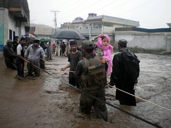 Flood rescue by Pakistan Army, July 2015. Photo: Pakistan Army