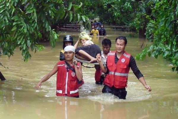 red cross flood rescue myanmar