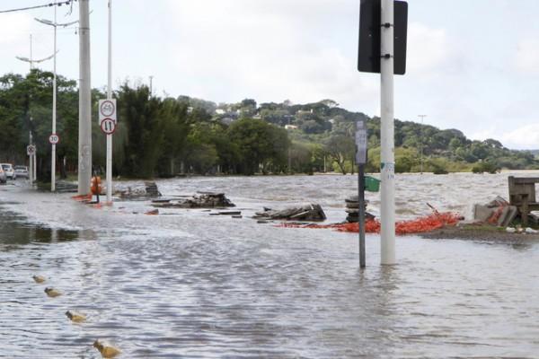 Floods in Guarujá, Porto Alegre. Photo: Ricardo Giusti/ PMPA