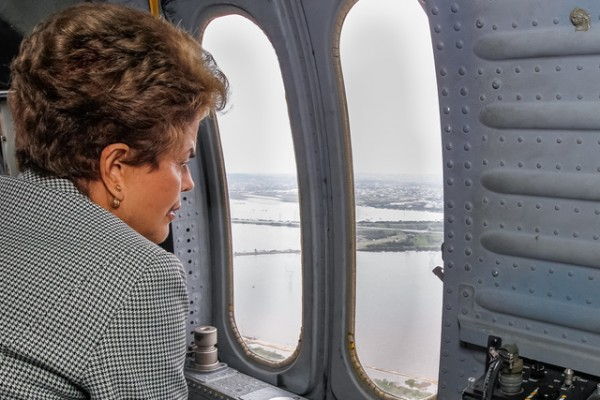 President Dilma Rousseff evaluates the flood damage in Rio Grande do Sul. Photo: Roberto Stuckert Filho/PR