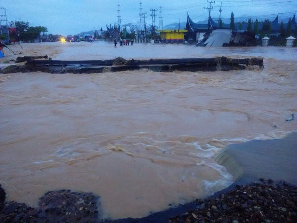 Floods in Padang, Indonesia, March 2016. Photo: BNPB