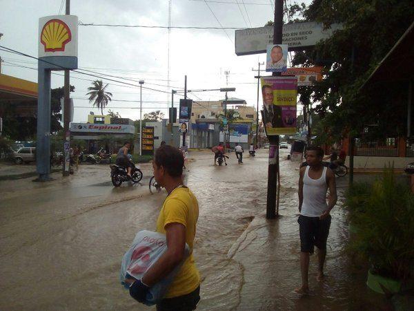 Floods in Santiago, Dominican Republic, late April 2016. Photo: Defensa Civil, Dominican Republic
