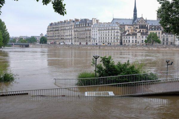 Seine River floods in Paris, June 2016. Photo credit; Under CC BY-SA 2.0