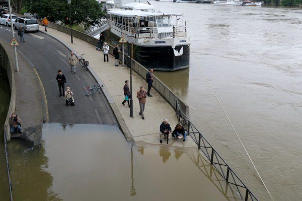 River Seine floods, Paris, June 2016. Photo credit, CC BY-NC-ND 2.0